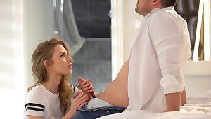 Cutest Polish chick turn of phrase naughty glance and got fucked by an obstacle pal