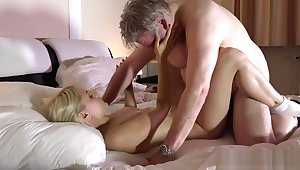 Old man has great sex alongside his younger girlfriend in the morning