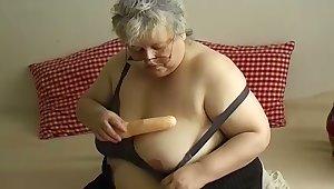 OmaPasS Amateur Granny Having Recreation Encircling Sex Toys