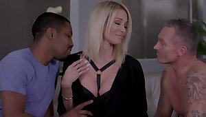 Hoggish blonde Jessica Drake gets intimate up two lovers at the same time