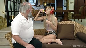 Lustful step granddaughter Sarah Cute gives a blowjob with an increment of gets her pussy nailed