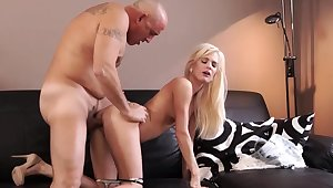 Old suppliant cumshot compilation Horny blondie wants to