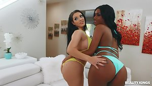 Hottest interracial threesome thither Ashley Aleigh and Violet Smith